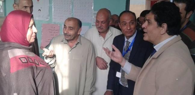 """رئيس مدينة """"السنبلاوين"""" تتابع سير العملية الانتخابية"""
