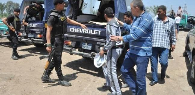 """بيع سيارة مسروقة يكشف عصابة """"هيروين وسلاح"""" في الأميرية"""