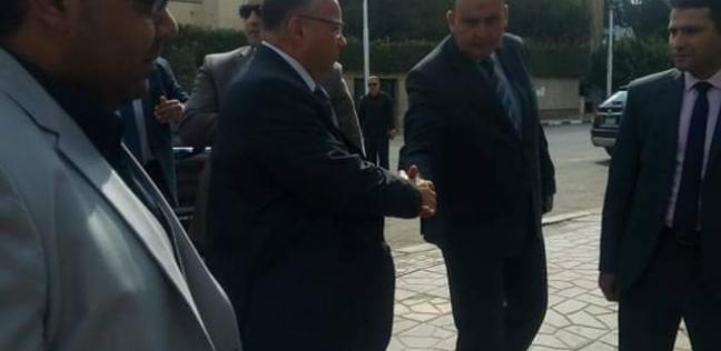محافظ القاهرة يدلي بصوته في الاستفتاء على التعديلات الدستورية