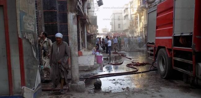 كاميرات المراقبة تصور عامل أشعل النيران في شقة بعد سرقتها بالإسكندرية