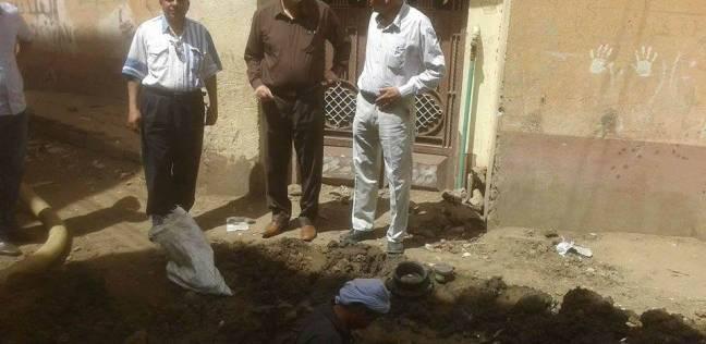تغيير مواسير مياه الشرب لتحسين الخدمة بقرى مغاغة في المنيا