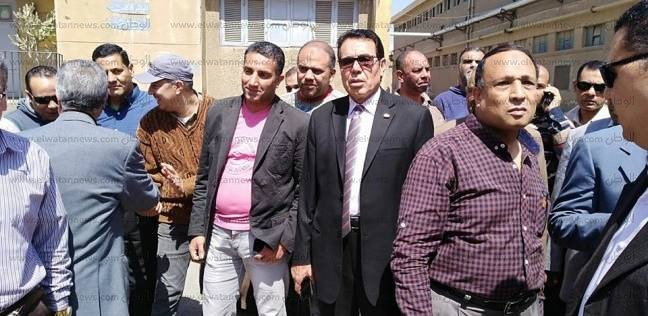 رئيس نقابة الغزل يقود مسيرة عمالية بمصانع المحلة للمشاركة بالانتخابات