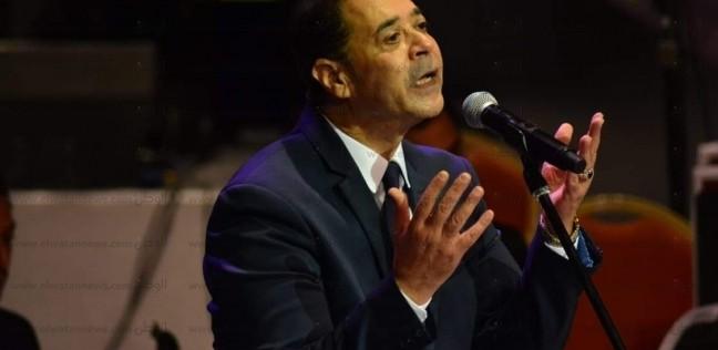 """مدحت صالح: نادم بشدة على تجسيدي """"العندليب"""" في """"السندريلا"""""""