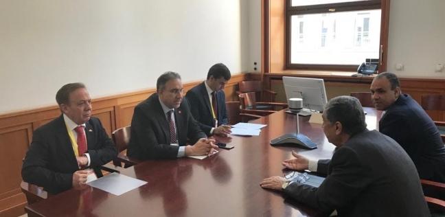 وزير الكهرباء يلتقي عضو لجنة الاقتصاد والطاقة في البوندستاج