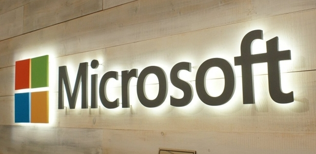 مايكروسوفت تستبدل موظفيها بروبوتات الذكاء الاصطناعي