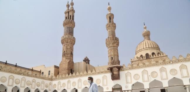 متى بني الجامع الأزهر في مصر؟