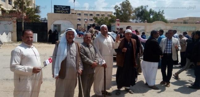 إقبال كثيف لأهالي الشيخ زويد على الاستفتاء: الوطنية تقاس بالمشاركة