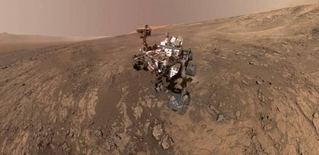 """مركبة الفضاء """"كوريوستي روفر"""" تلتقط سيلفي على سطح المريخ"""