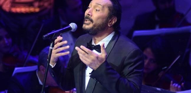 علي الحجار يفوز بجائزة السلطان قابوس للثقافة والفنون والآداب