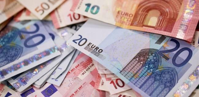 رجل يخفي وفاة والدته 13 عاما ليحصد 250 ألف يورو