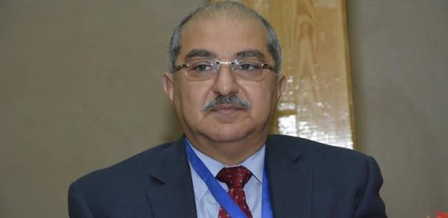 """نائب رئيس جامعة أسيوط: """"المركزية"""" أساس الإدارة بالمستشفيات الجامعية"""