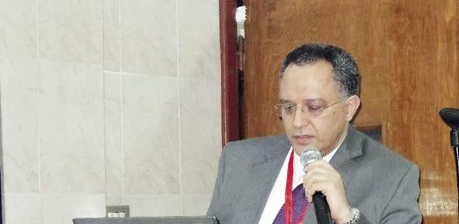 جرّاح أطفال فى «طب الإسكندرية» يفتح عيادته للكشف المجانى: «الناس تعبانة»