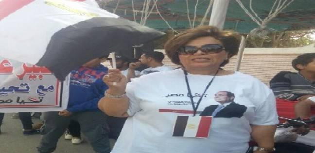 """كويتية تترك عملها وتدعم المصريين في أول يوم انتخابي: """"مصر بلدي الثاني"""""""