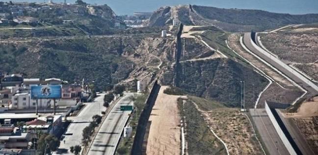 واشنطن تهدد باعتقال مهاجرين يعتزمون عبور الحدود في حافلات