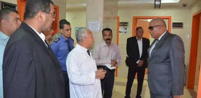 محافظ الوادي الجديد يوجه بتشغيل العيادات الخارجية بمستشفى الخارجة