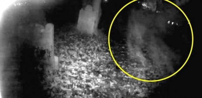 """""""شبح"""" يظهر في فيديو داخل مقبرة عمرها 800 عام"""