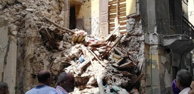 سقوط أجزاء من عقار بوسط الإسكندرية دون وجود إصابات بشرية