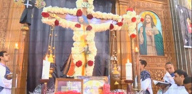 بالفيديو  ألحان الجمعة العظيمة.. أحدها دُفن عليه