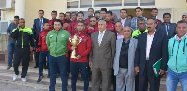 محافظ الوادي الجديد يكرم فريقي نهائي دوري مراكز شباب المحافظة