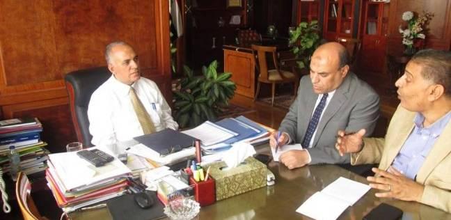 """وزير الري يبحث تطوير """"ممشى أهل مصر"""" وإزالة التعديات على النيل"""