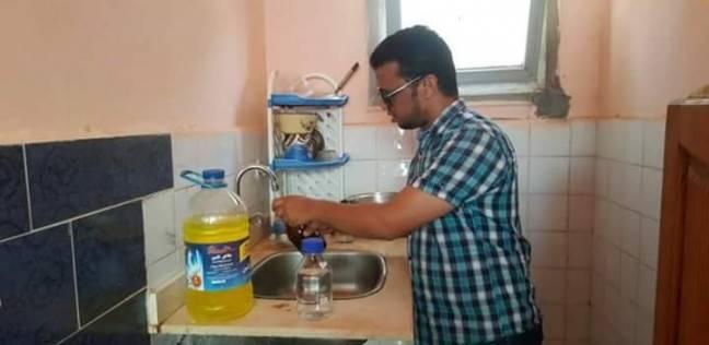 """سحب عينة مياه عشوائية من منطقة """"أبو نواس"""" للتأكد من جودتها"""