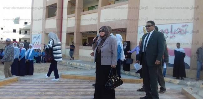 وكيلة وزارة التربية والتعليم بشمال سيناء توجه بضرورة مساعدة الطلاب