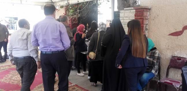 لجان النزهة تستقبل الناخبين في ثالث أيام الاستفتاء