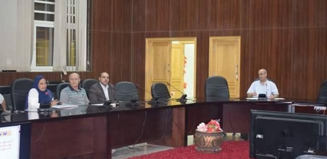 """السكرتير العام المساعد بالبحر الأحمر يعقد اجتماعا مع """"أعضاء السكان"""""""