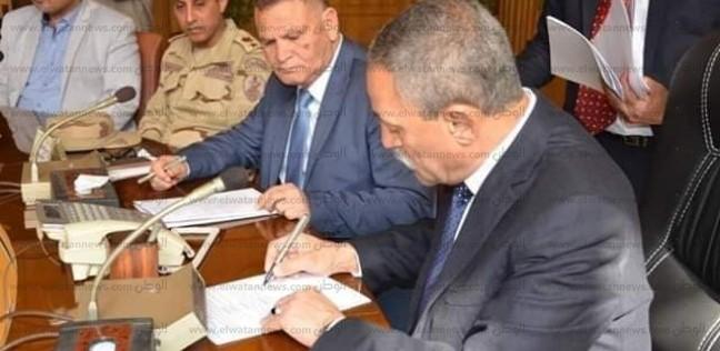 """محافظ الإسماعيلية يعلن استرداد 3 فيلات وأراض من زوجات """"وزراء مبارك"""""""