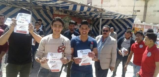 الشباب يتوافدون على لجان رأس البر للتصويت