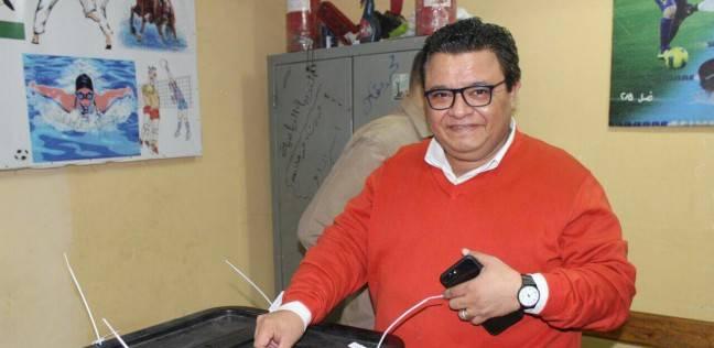 خالد جلال يدلي بصوته في الانتخابات الرئاسية بمدرسة جاردن سيتي