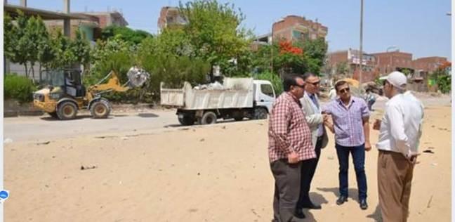 السكرتير العام المساعد بالإسماعيلية يتابع أعمال حملة النظافة