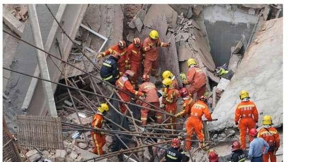 إنقاذ 11 شخصا من أسفل أنقاص مبنى منهار في الصين
