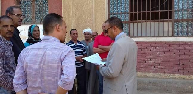 رئيس مركز أبو قرقاص بالمنيا يتابع أعمال الصيانة بعدد من المدارس