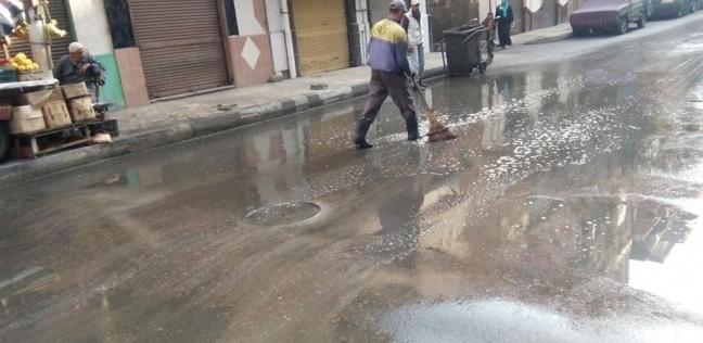أمطار غزيرة تجتاح الإسكندرية ورياح بادرة