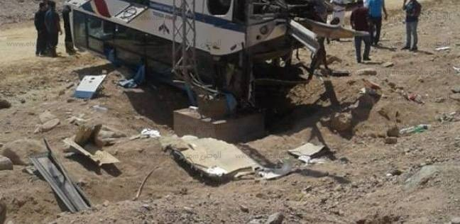"""نقل اثنين من مصابي """"أتوبيس الرحلات"""" بنويبع لمستشفى شرم الشيخ"""