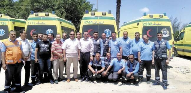 مسعفون وأطباء مصريون يستقبلون مصابى «غزة»