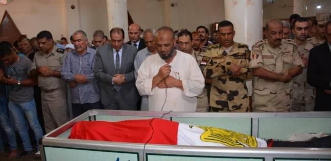 محافظ الدقهلية يشارك جنازة الشهيد رامي الجوهري ويطلق اسمه على مدرسة