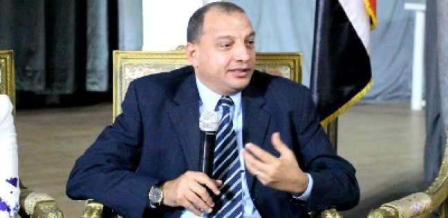 شركة مقاولات تحرر محضرا ضد رئيس جامعة بني سويف لمنعه عامليها من الدخول
