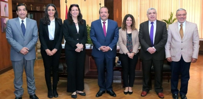 """رئيس جامعة طنطا يبحث سبل التعاون مع مدير """"فولبرايت"""" الأمريكية"""