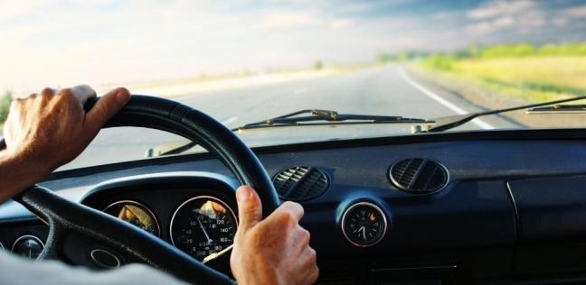 قيادة السيارة
