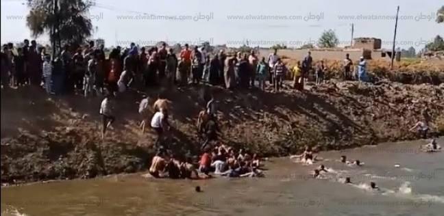الإنقاذ النهري بالدقهلية تنتشل جثة طالب غرق في البحر الصغير بدكرنس