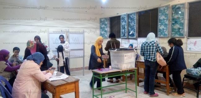 تزايد أعداد الناخبين على لجان أبوالنمرس بالجيزة