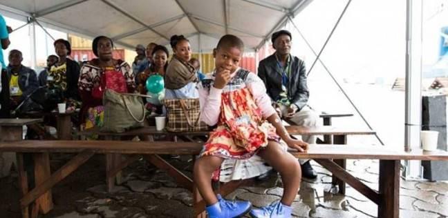 بالصور  إنقاذ طفلة من مرض نادر