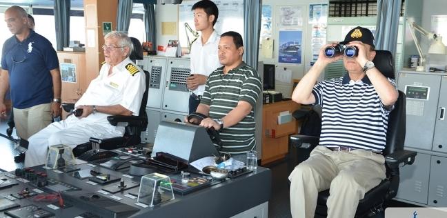 مهاب مميش: 127 سفينة عبرت قناة السويس خلال يومين