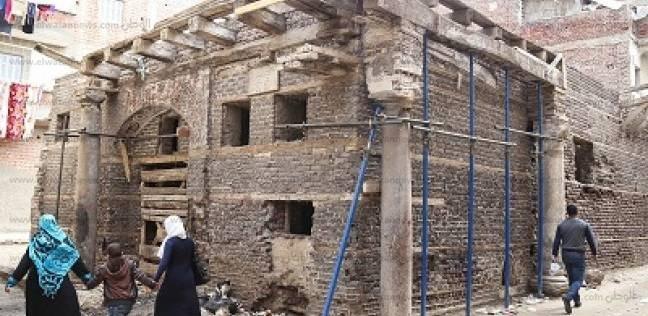 منازل رشيد الأثرية وسط حصار القمامة والمقتنيات فى المخازن