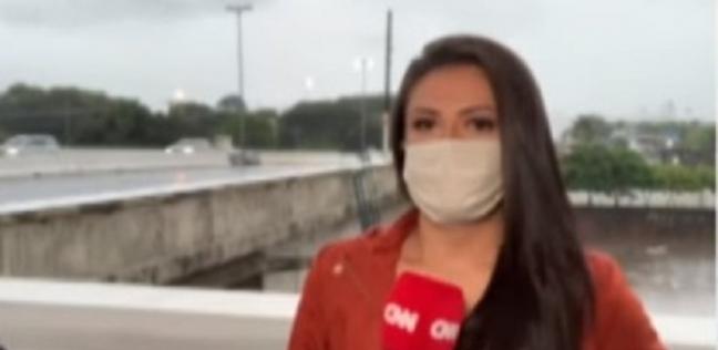 المراسلة برونا مارسيدو أثناء وجودها في الشارع