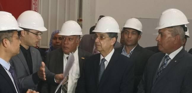 """وزير الكهرباء يتابع مع رئيس """"توزيع شمال القاهرة"""" خطط التطوير اليوم"""