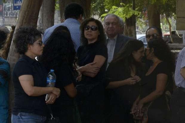 بالصور والفيديو  جثمان حسين عبدالرازق يغادر مسجد عمر مكرم لمثواه الأخير