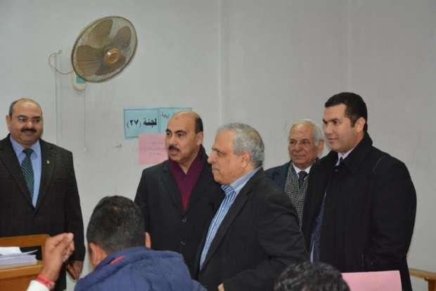 صور الدكتور خالد حمزة، رئيس جامعة الفيوم، خلال تفقده لجان الامتحانات بكلية دار العلوم اليوم